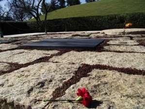 JFK's grave in Arlington Cemetery. Kateryna Barnes