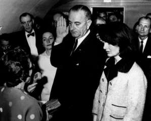Lyndon B. Johnson sworn in beside Jackie Kennedy. Creative Commons